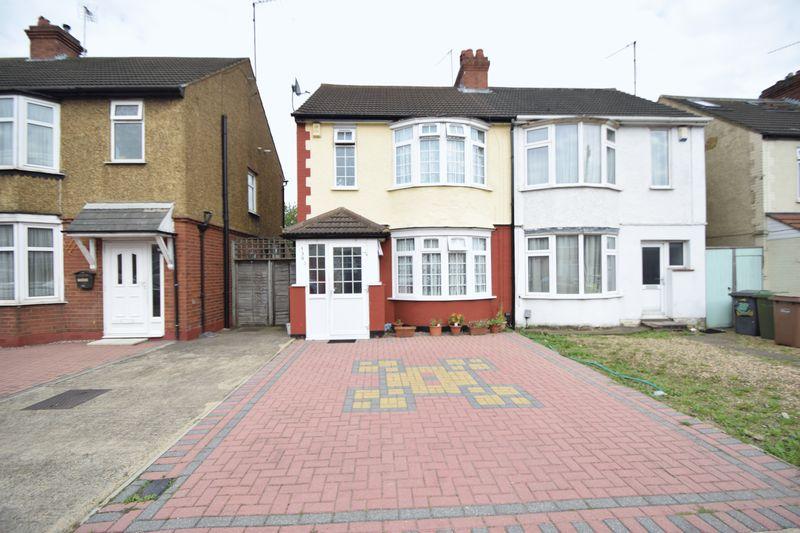 3 bedroom  to buy in Beechwood Road, Luton
