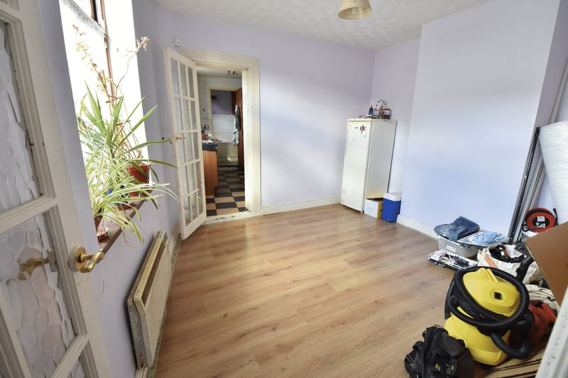 3 bedroom End Terrace to buy in Winsdon Road, Luton - Photo 6