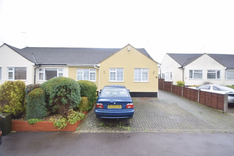 2 bedroom  to buy in The Furrows, Luton
