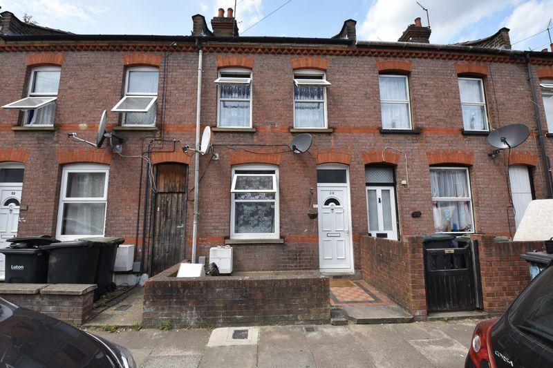 2 bedroom Mid Terrace to buy in Malvern Road, Luton