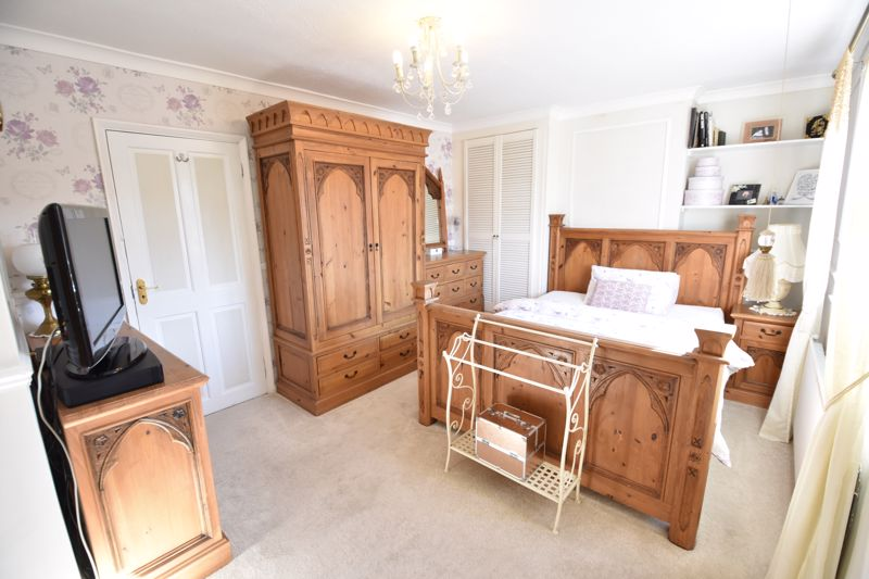 3 bedroom End Terrace to buy in Solway Road North, Luton - Photo 18