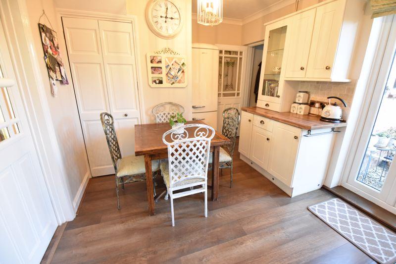 3 bedroom End Terrace to buy in Solway Road North, Luton - Photo 3