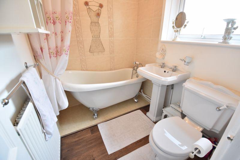 3 bedroom End Terrace to buy in Solway Road North, Luton - Photo 5