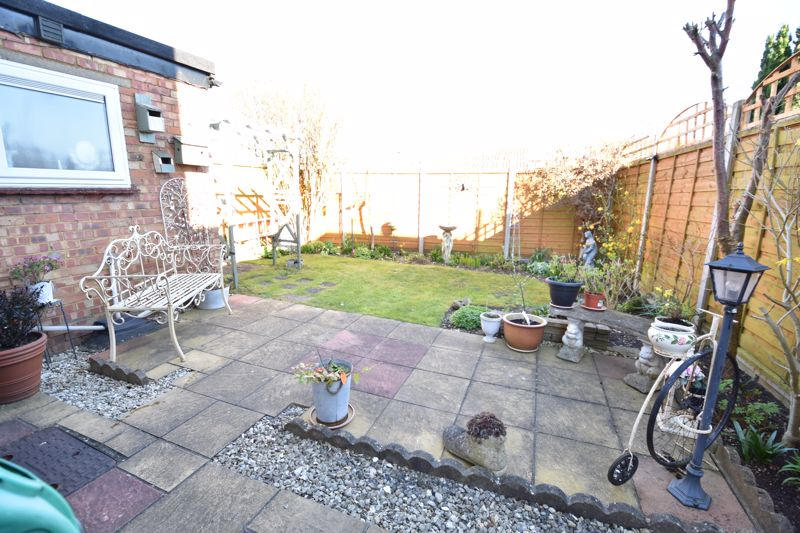 3 bedroom End Terrace to buy in Solway Road North, Luton - Photo 6