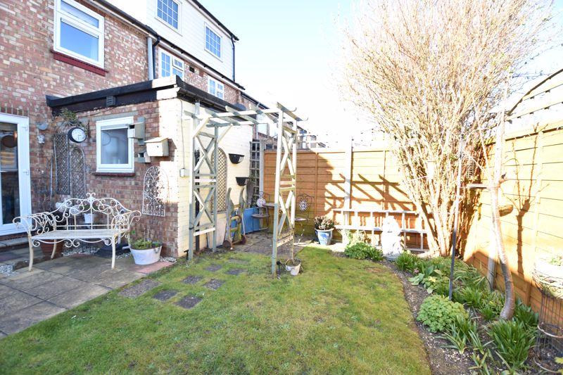 3 bedroom End Terrace to buy in Solway Road North, Luton - Photo 7