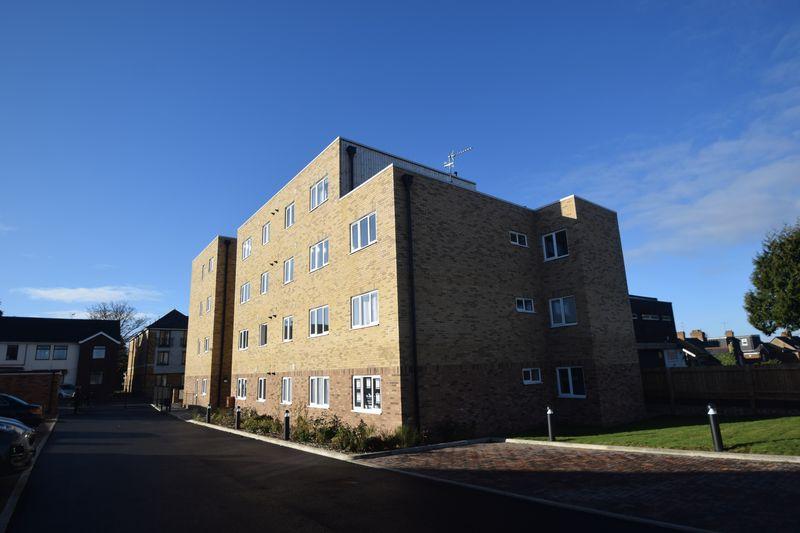 1 bedroom Apartment / Studio to buy in Marsh Road, Luton