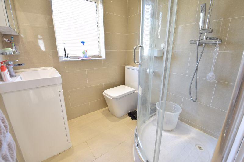 3 bedroom  to buy in Wardown Crescent, Luton - Photo 2