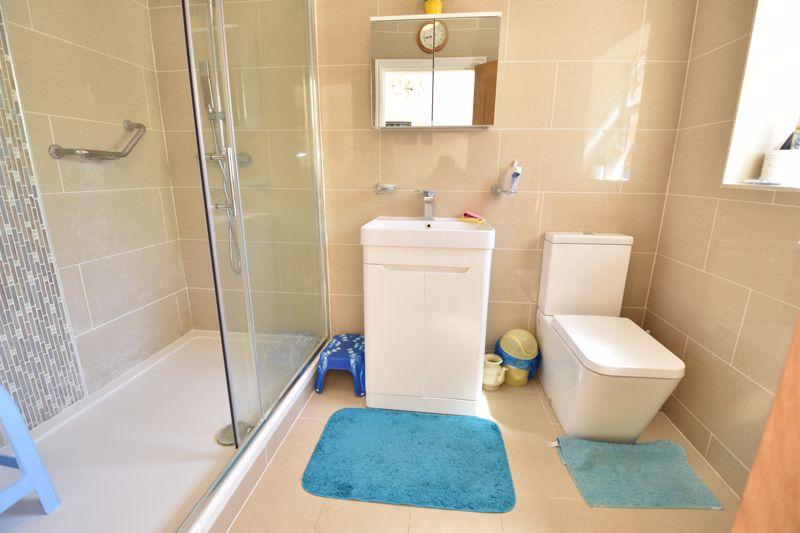 3 bedroom  to buy in Wardown Crescent, Luton - Photo 12