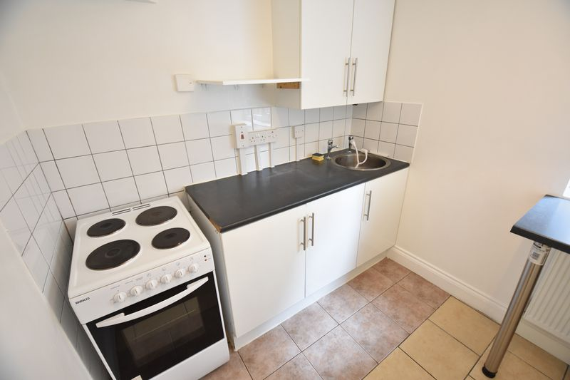 0 bedroom Flat to rent in New Bedford Road, Luton - Photo 3