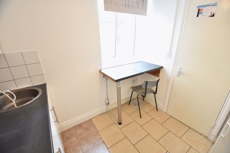 0 bedroom Flat to rent in New Bedford Road, Luton - Photo 4