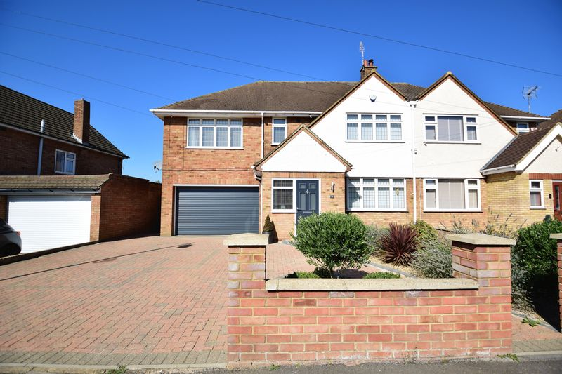 4 bedroom Semi-Detached  to buy in Stephens Close, Luton
