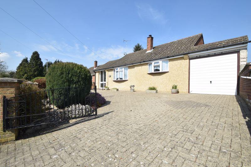 3 bedroom Bungalow to buy in Icknield Way, Luton