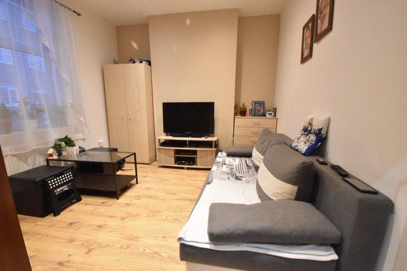 2 bedroom Mid Terrace to buy in Princess Street, Luton - Photo 1