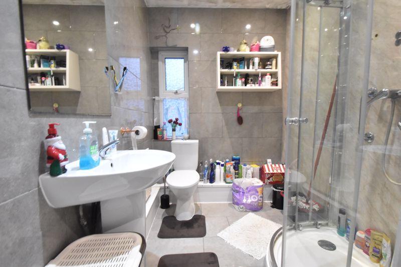2 bedroom Mid Terrace to buy in Princess Street, Luton - Photo 6