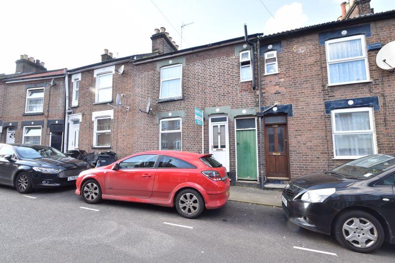 2 bedroom Mid Terrace to buy in Princess Street, Luton - Photo 9