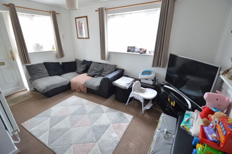 1 bedroom  to buy in Harlestone Close, Luton - Photo 14