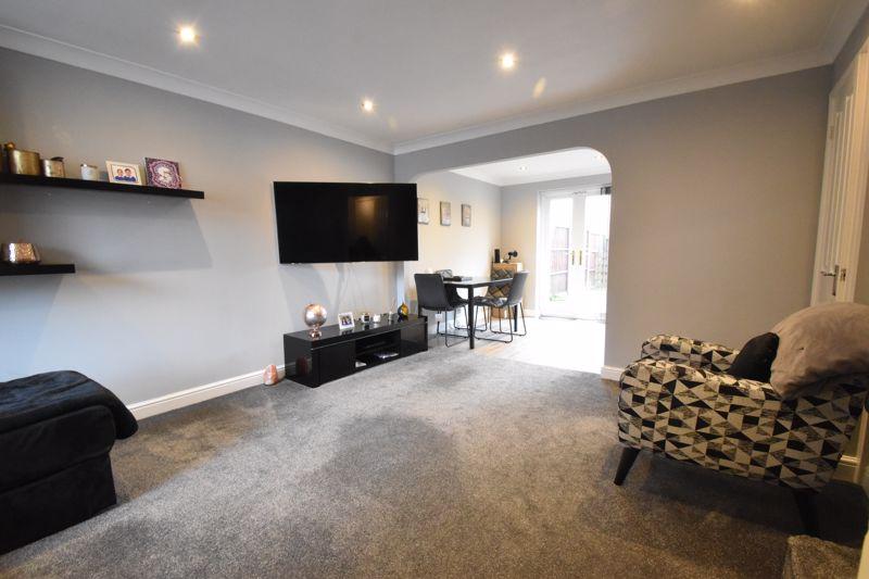 3 bedroom Mid Terrace to buy in Chalkdown, Luton - Photo 1