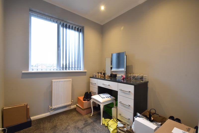 3 bedroom Mid Terrace to buy in Chalkdown, Luton - Photo 7
