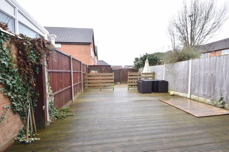 3 bedroom Mid Terrace to buy in Chalkdown, Luton - Photo 10