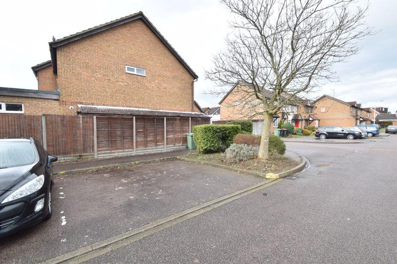 3 bedroom Mid Terrace to buy in Chalkdown, Luton - Photo 13