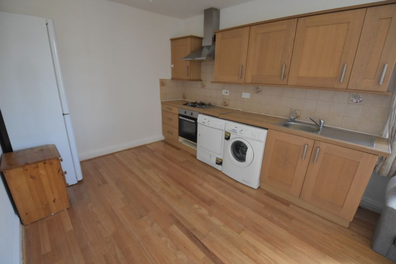 1 bedroom Flat to rent in New Bedford Road, Luton - Photo 16