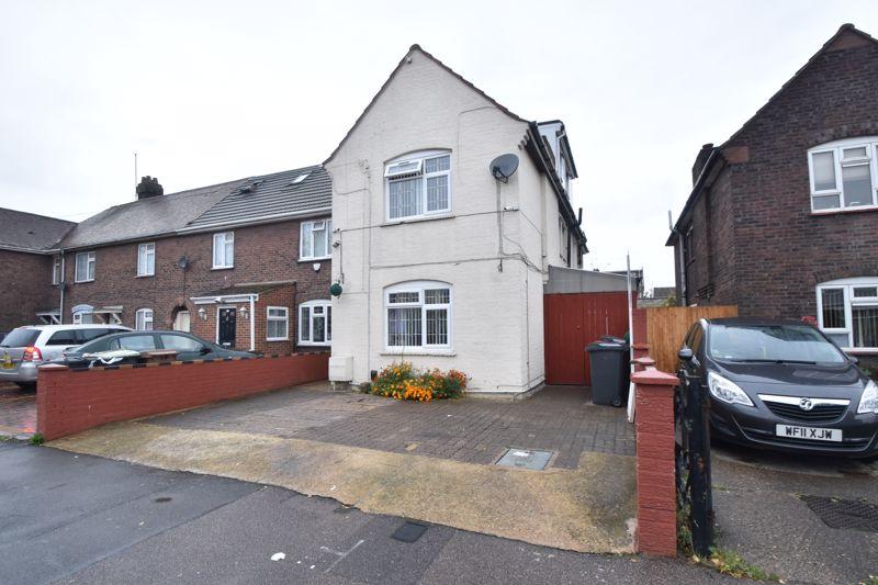 6 bedroom End Terrace to buy in Stratford Road, Luton