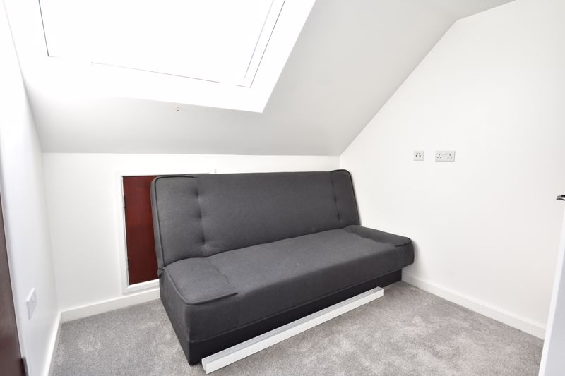 6 bedroom Semi-Detached  to buy in Abbey Drive, Luton - Photo 21