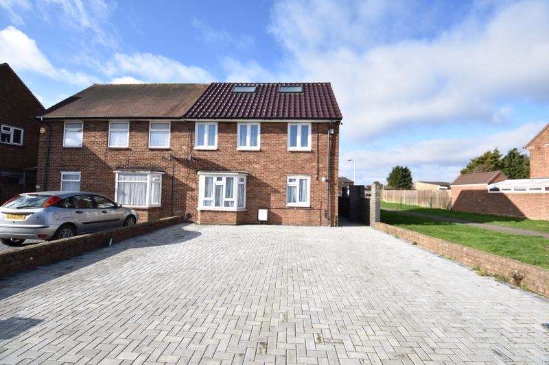 6 bedroom Semi-Detached  to buy in Abbey Drive, Luton