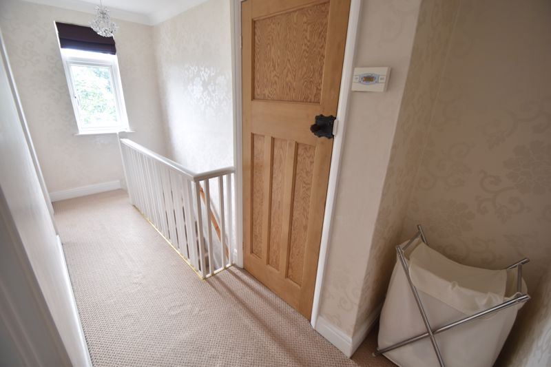 2 bedroom Mid Terrace to buy in Woodbury Hill, Luton - Photo 6