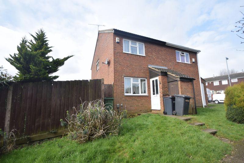 2 bedroom Semi-Detached  to buy in Repton Close, Luton