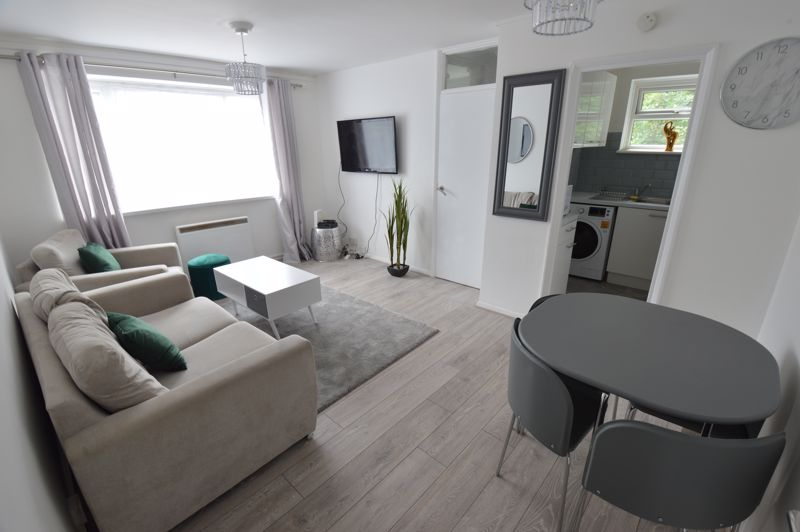 1 bedroom Flat to buy in Ketton Close, Luton - Photo 2