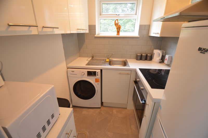 1 bedroom Flat to buy in Ketton Close, Luton - Photo 4
