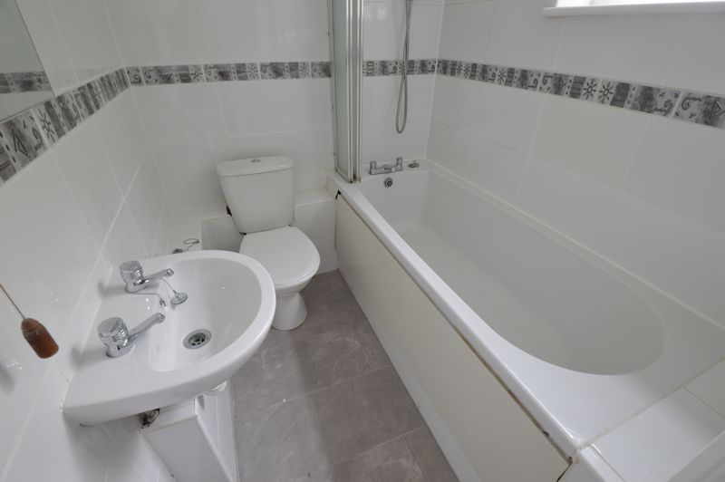 1 bedroom Flat to buy in Ketton Close, Luton - Photo 6