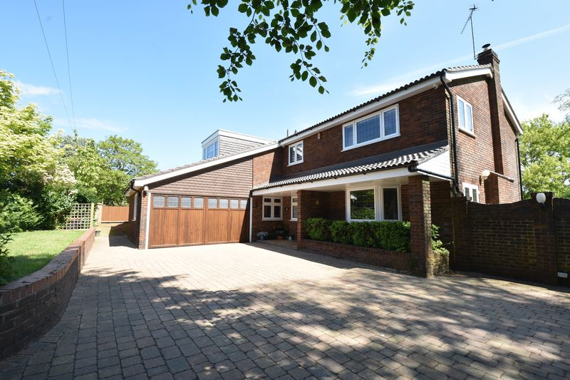 4 bedroom Detached  to buy in Sharpenhoe Road, Luton