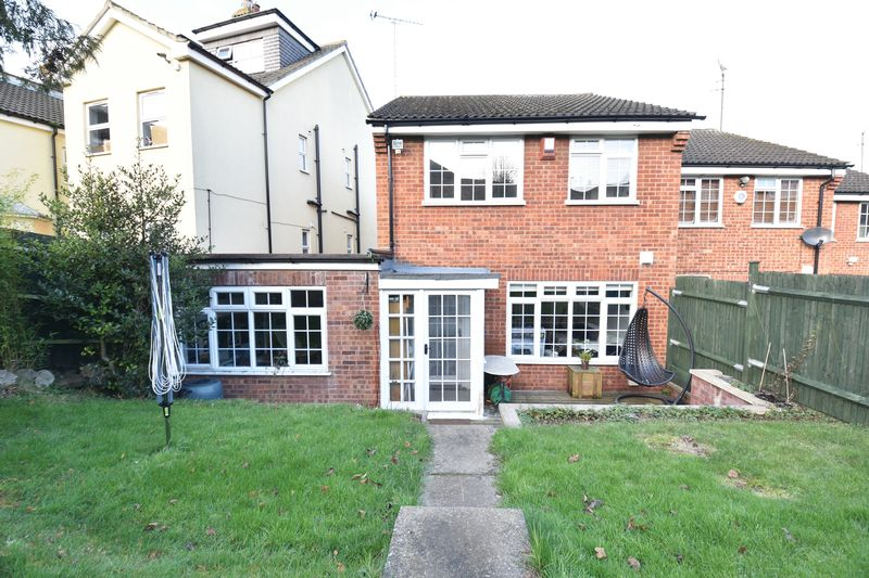 3 bedroom End Terrace to buy in Hitchin Road, Luton