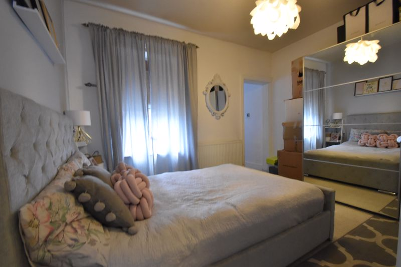 3 bedroom Mid Terrace to buy in Frederick Street, Luton - Photo 11