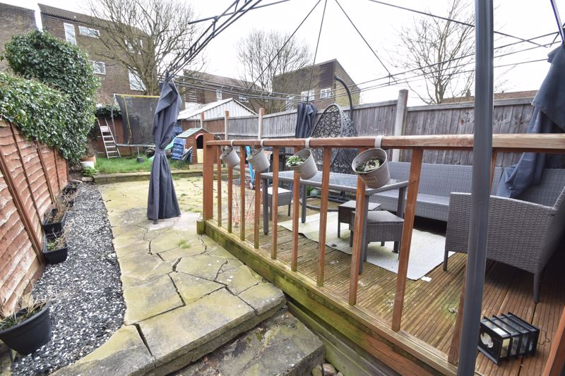 3 bedroom Mid Terrace to buy in Frederick Street, Luton - Photo 13