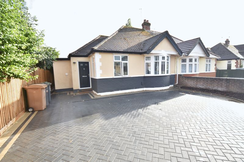 2 bedroom Bungalow to rent in Ryecroft Way, Luton