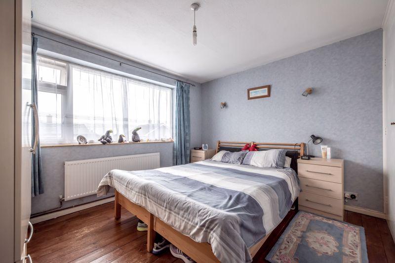 3 bedroom  to buy in Beaconsfield, Luton - Photo 7