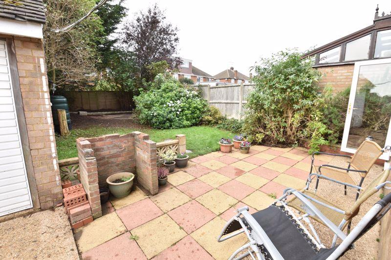 3 bedroom  to buy in Beaconsfield, Luton - Photo 1