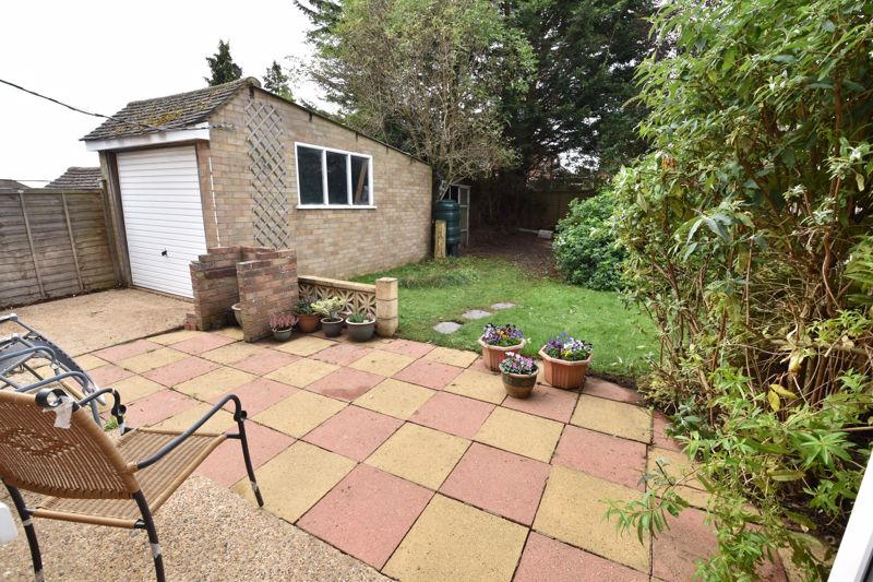 3 bedroom  to buy in Beaconsfield, Luton - Photo 2