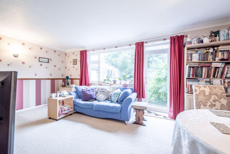 3 bedroom  to buy in Beaconsfield, Luton - Photo 15