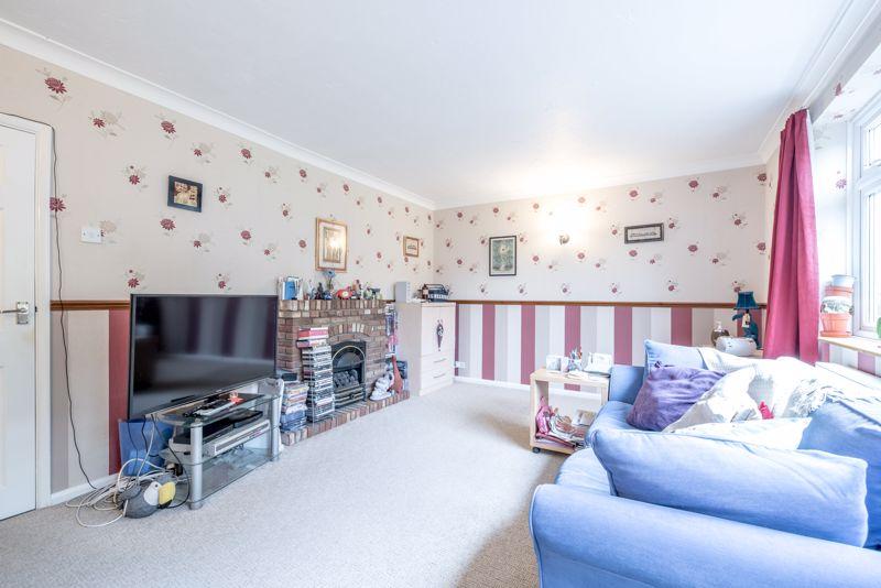 3 bedroom  to buy in Beaconsfield, Luton - Photo 16