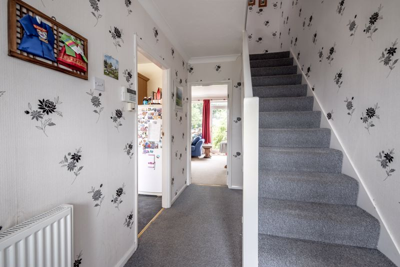 3 bedroom  to buy in Beaconsfield, Luton - Photo 18