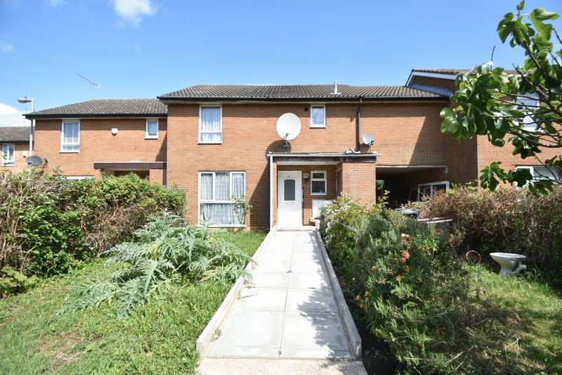 4 bedroom Mid Terrace to buy in Olympic Close, Luton