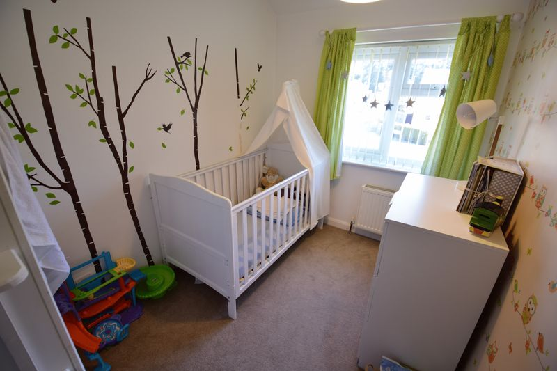 3 bedroom Semi-Detached  to buy in Edgewood Drive, Luton - Photo 10