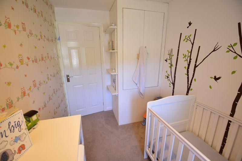 3 bedroom Semi-Detached  to buy in Edgewood Drive, Luton - Photo 11