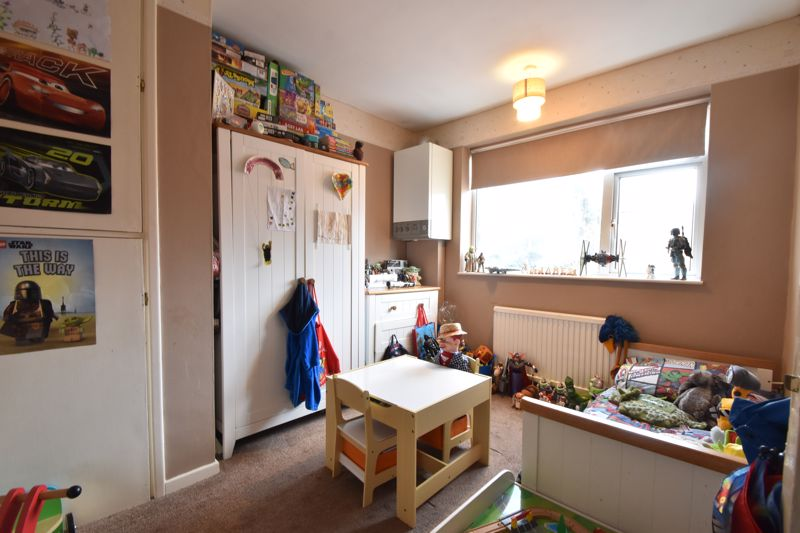 2 bedroom Maisonette to buy in Turners Road North, Luton - Photo 3