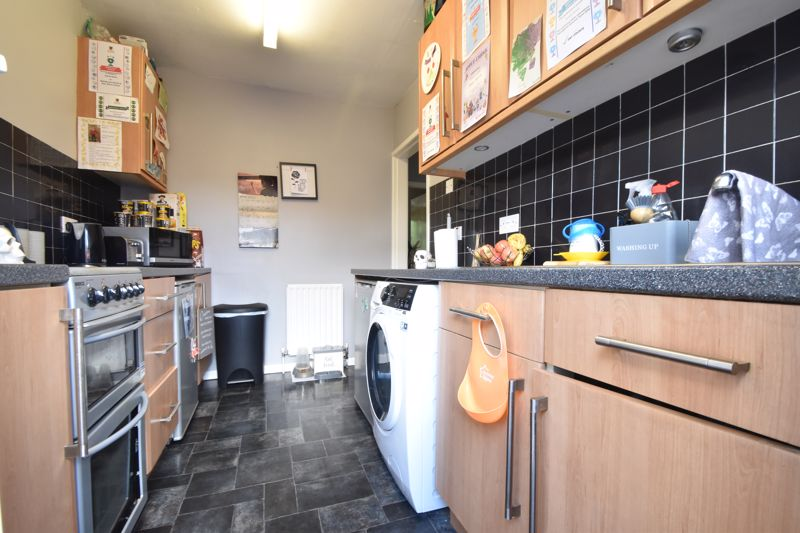2 bedroom Maisonette to buy in Turners Road North, Luton - Photo 9