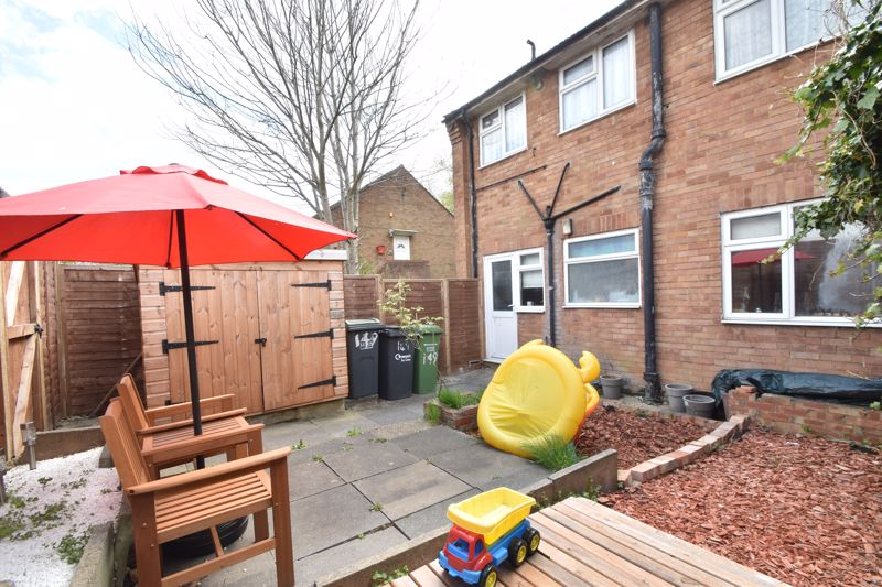 2 bedroom Maisonette to buy in Turners Road North, Luton - Photo 11